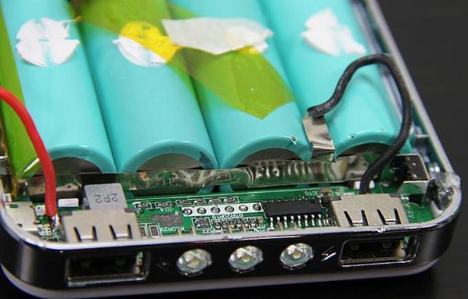 冲电宝分解图_充电宝什么牌子质量好 还得看拆解评测_移动电源品牌_续航之家